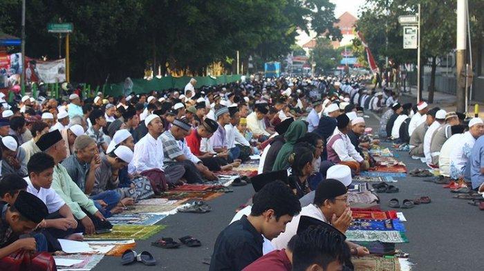 (ILUSTRASI) Berikut ini niat dan tata cara shalat Idul Adha sendirian atau munfarid di rumah.