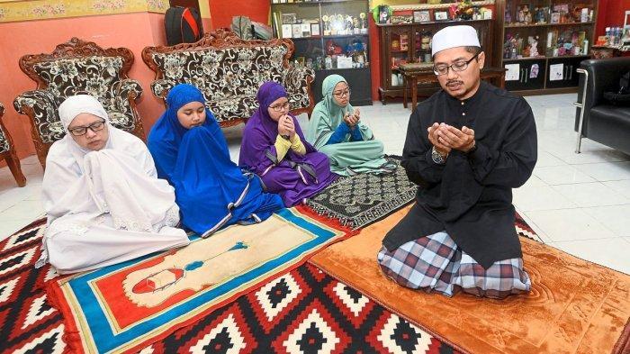 Tata Cara Sholat Idul Fitri di Rumah Disertai Niat dan Panduan Khutbah Shalat Id