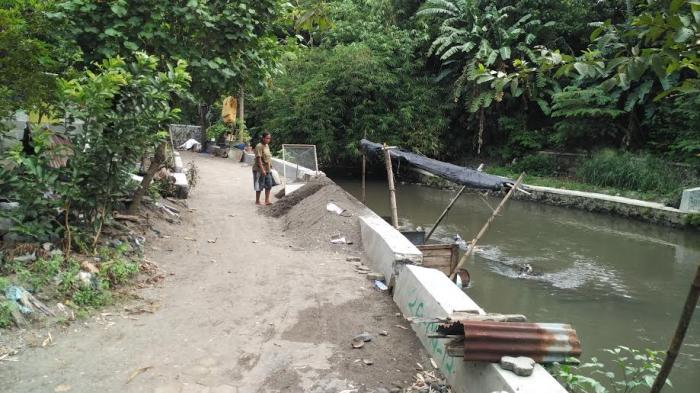 Berteduh di Pohon Pisang saat Hujan Deras, Wanita yang Pamit Beli Ayam Goreng Malah Hilang