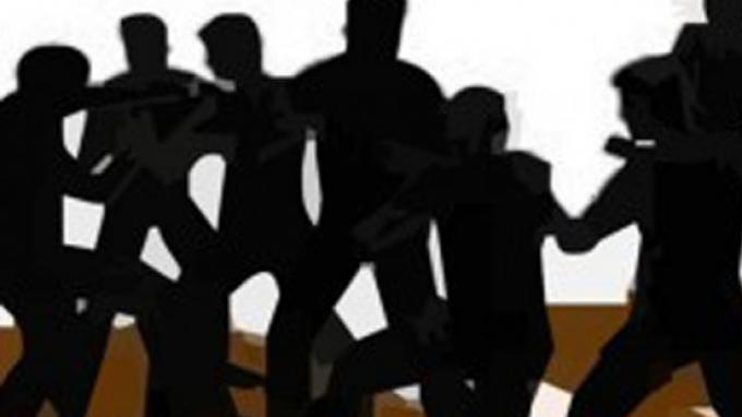 Pecah Tawuran di Jatinegara Gara-gara Aksi Saling Lempar Petasan, Seorang Bocah Terluka