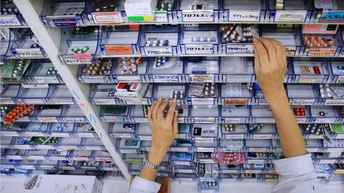 Ilustrasi toko obat di Jepang - Apa itu Avigan? Obat Corona yang dipesan Presiden Jokowi sebanyak dua juta butir. Obat ini akan dibagikan pada pasien Covid-19.