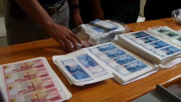 Sindikat Pengedar Uang Palsu di Surabaya Diringkus, Begini Modusnya