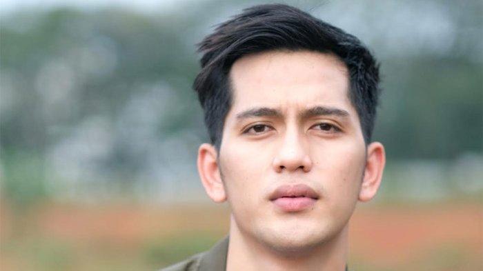 Pemain sinetron dan film Ilyas Bachtiar (26)