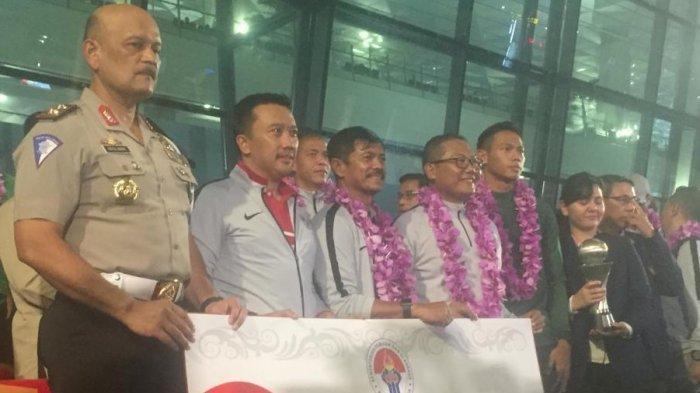 Timnas Indonesia U-22 Disambut Meriah Setibanya di Bandara Soekarno Hatta