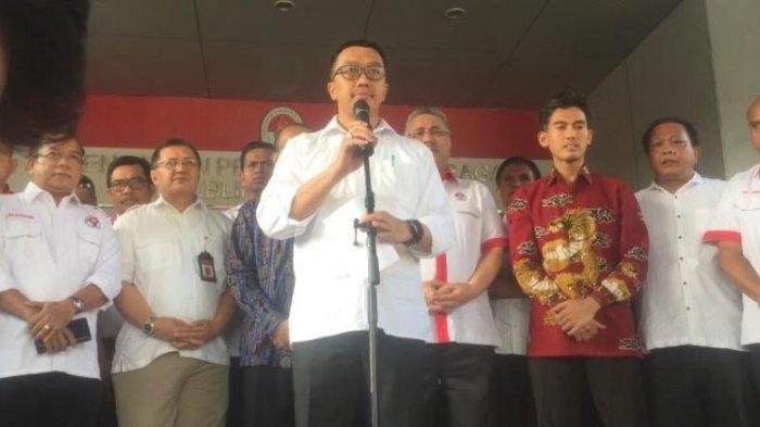 Imam Nahrawi saat melakukan konferensi pers pengunduran dirinya sebagai Menpora di Kantor Kemenpora, Senayan, Jakarta, Rabu (19/9/2019).