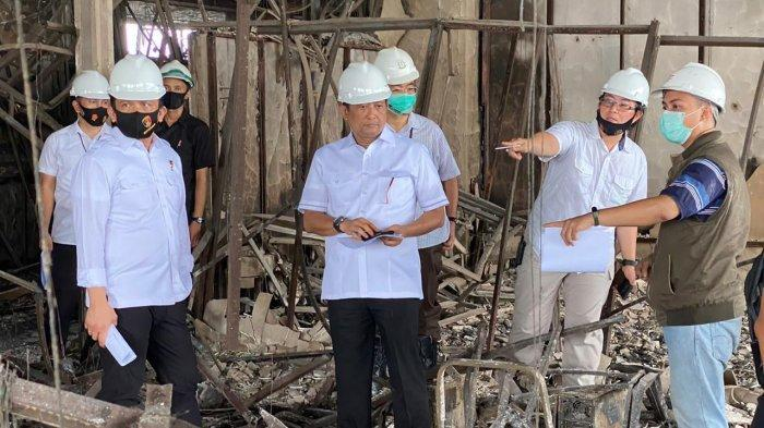 Tim gabungan Polri menggelar olah Tempat Kejadian Perkara (TKP) kebakaran di gedung Kejaksaan Agung (Kejagung). Polisi tampak menelusuri setiap sudut gedung yang sudah hangus terbakar tersebut.