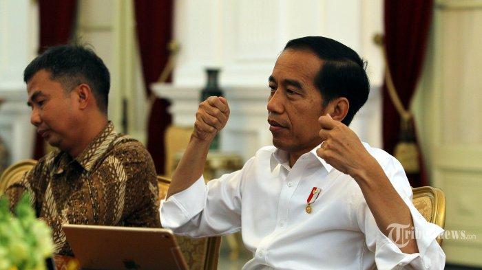 Presiden Joko Widodo melakukan sesi wawancara bersama Tribunnews.com di Istana Negara, Jakarta, Kamis (18/7/2019). Dalam kesempatan tersebut Presiden Jokowi memaparkan mengenai visi pemerintahannya dalam 5 tahun ke depan kepada tim Tribunnews.com. TRIBUNNEWS/DANY PERMANA
