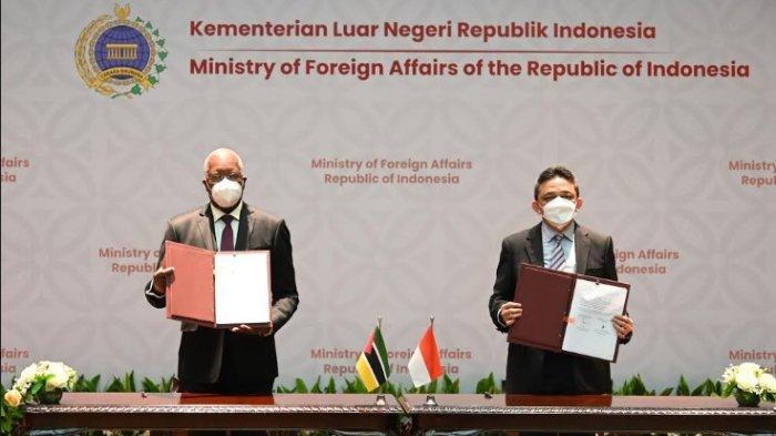 RI Teken Perjanjian Hibah dengan Mozambik dan Zimbabwe di Jakarta