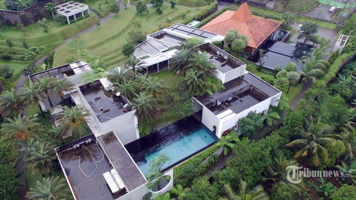 Suasana villa mewah milik mantan sekretaris Mahkamah Agung (MA), Nurhadi di kawasan Megamendung, Bogor, Jawa Barat, Kamis (20/2/2020). Nurhadi merupakan tersangka kasus suap perkara di MA yang saat ini dinyatakan buron oleh Komisi Pemberantasan Korupsi (KPK). Tribunnews/Jeprima