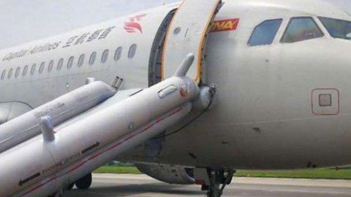 Tanpa Dua Roda, Pesawat Maskapai China Ini Mendarat Darurat  dengan Selamat