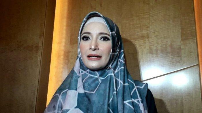 Inneke Koesherawati disela hadir dalam Konser Story Of My Life Ivan Gunawan di Ciputra Artpreneur, Jalan Dr Saharjo, Karet Kuningan, Setiabudi, Jakarta Selatan, Jumat (2/8/2019) malam.