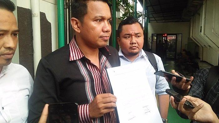Penasehat Hukum terdakwa penyebaran berita bohong yang menerbitkan keonaran Ratna Sarumpaet, Insank Nasruddin, di Pengadilan Negeri Jakarta Selatan pada Rabu (17/7/2019).