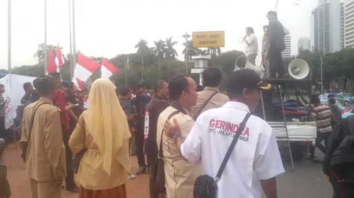 Nyanyian 'Prabowo-Hatta Menang' Bergaung di Patung Kuda
