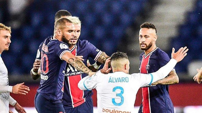 Insiden perkelahian yang melibatkan Neymar dan Alvaro (Marseille)