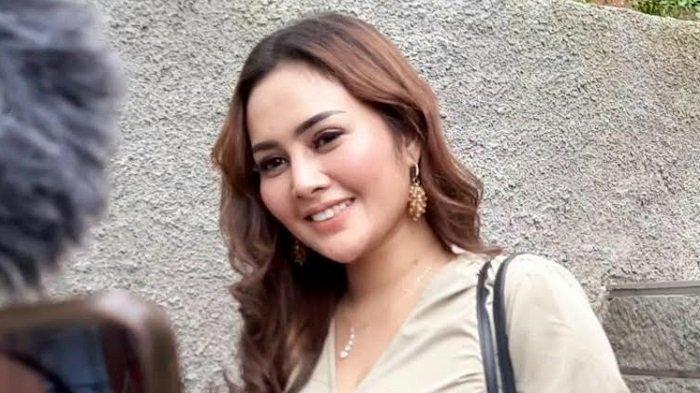 Tak Dinafkahi Maell Lee, Intan Ratna Juwita Jualan Es Kelapa Muda untuk Bertahan Hidup