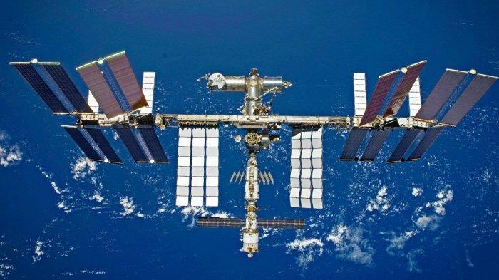 Stasiun Luar Angkasa Internasional (International Space Station, ISS)