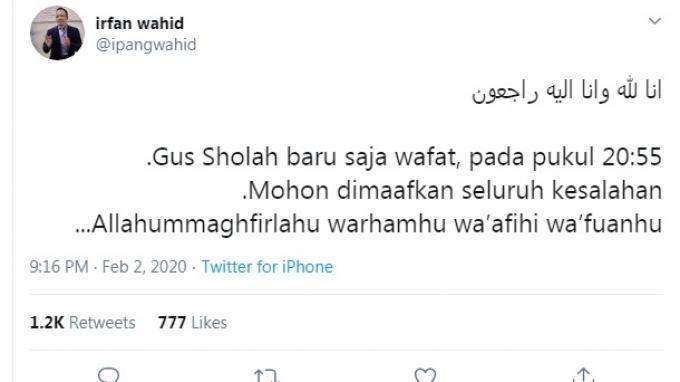 Ipang Wahid mengabarkan meninggalnya Gus Sholah di twitter.