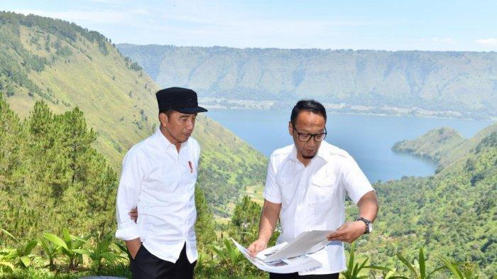 Ketua Tim Quick Win Super Prioritas Lima Destinasi Pariwisata Irfan Wahid bersama Presiden Jokowi di Danau Toba beberapa waktu lalu.