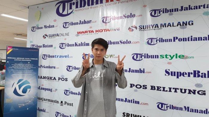 Iqbaal Ramadhan di redaksi Tribunnews.com di Palmerah Selatan, Jakarta, Jumat (24/1/2020).