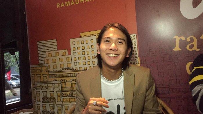 Iqbaal Ramadhan saat jumpa pers di Hotel Monopoli, Kemang, Jakarta Selatan, Jumat (22/11/2019).