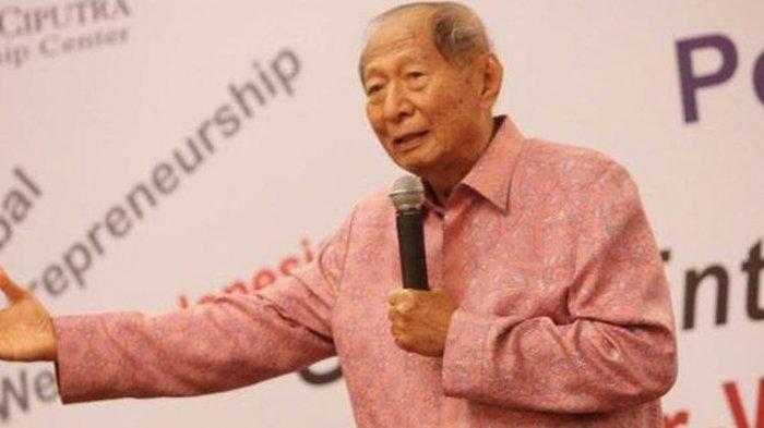 Pendiri Ciputra Group, Ciputra atau Tjie Tjin Hoam, meninggal dunia di Singapura pada Rabu (27/11/2019). Ciputra tutup usia pada usianya yang ke-88.