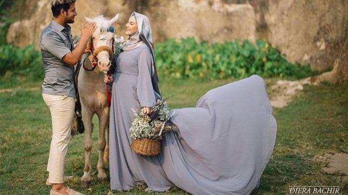 Irish Bella Tampil Beda di Maternity Shoot Terbaru, Istri Ammar Zoni Ini Kenakan Busana Tertutup
