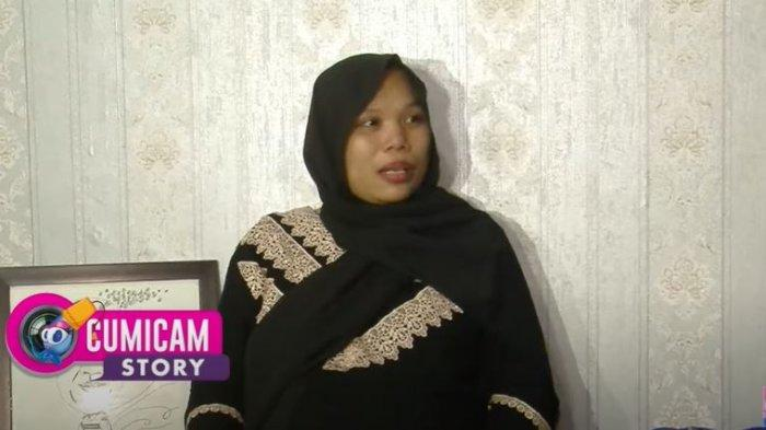 Istri Sapri Pantun, Irma Suryani ungkap sikap tak biasa sang suami menjelang lebaran sebelum akhirnya meninggal dunia.