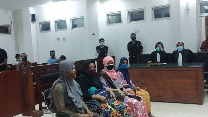 Hakim PN Praya Tangguhkan Penahanan Empat IRT Terdakwa Pelempar Genting Pabrik di Lombok