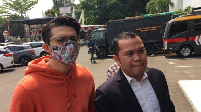 Irwansyah saat mendatangi Polres Metro Jakarta Selatan, Senin (31/8/2020).