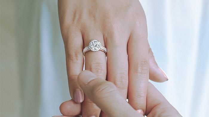 6 Rekomendasi Bentuk Berlian yang Tepat untuk Cincin Tunangan