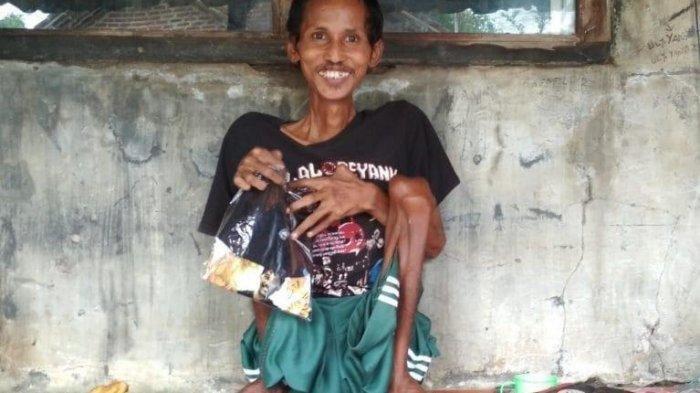 Kisah Ulee Tetap Bersedekah dalam Keterbatasan Fisik, Sisihkan Keuntungan dari Jualan Kaus