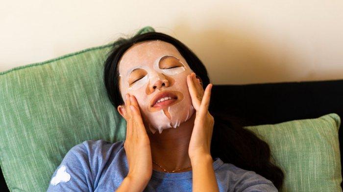 Ingin Cegah Kerutan dan Garis Halus? Pakai 5 Sheet Mask Anti Aging Berikut Ini!