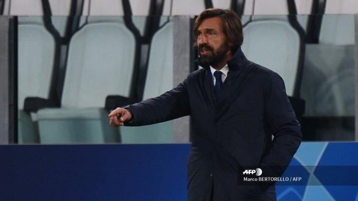 Isyarat pelatih Juventus Italia Andrea Pirlo selama pertandingan sepak bola Grup G Liga Champions UEFA antara Juventus dan Barcelona pada 28 Oktober 2020 di stadion Juventus di Turin. Marco BERTORELLO / AFP