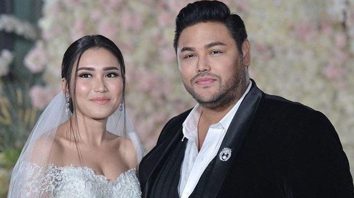 Ivan Gunawan dan Ayu Tingting saat berperan menjadi pengantin