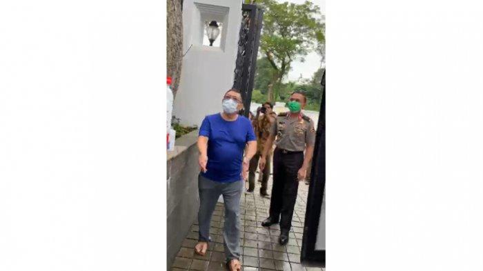 Viral Video Iwan Bule Datang ke Rumah Jerry Lo yang Gelar Tes Corona, Ini Penjelasan Ketum PSSI