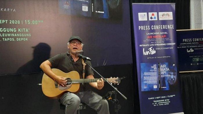Chord Gitar Yang Terlupakan Iwan Fals Dari Kunci C Denting Piano Kala Jemari Menari Tribunnews Com Mobile