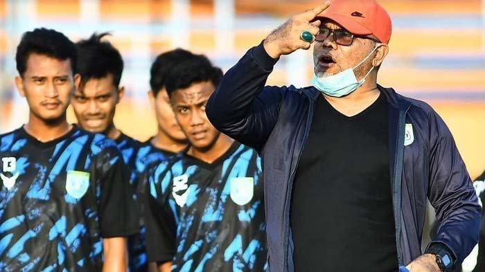 Iwan Setiawan dan pemain Persela Lamongan