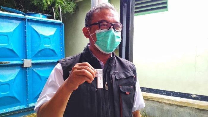 Persiapan Bupati Bogor Iwan Setiawan Sebelum Disuntik Vaksin Covid-19 di Puskesmas Cimandala