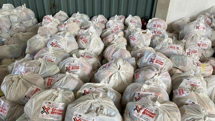Jababeka Group melalui Jababeka Infrastruktur bersama dengan Badan Amil Zakat Nasional (Baznas) membagikan sembako senilai Rp 100.000 per paket untuk warga terdampak corona di 13 desa sekitar Kawasan Industri Jababeka.