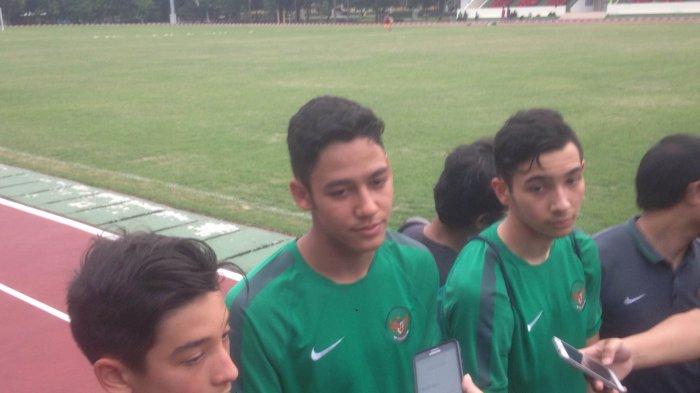 (kiri-kanan) Pemain seleksi Timnas Indonesia U-19 Jack Brown, Charalambos Elias Davis, dan George Brown.