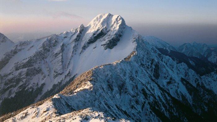 Jade Mountain Main Peak Trail