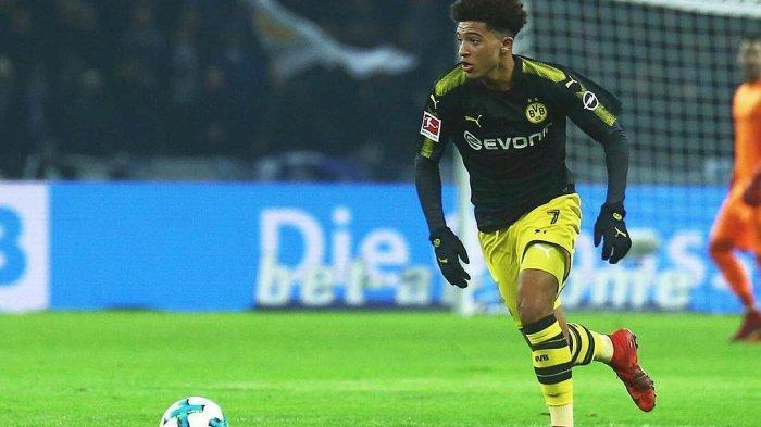 Jadon Sancho winger andalan Borussia Dortmund (@sanchooo10)