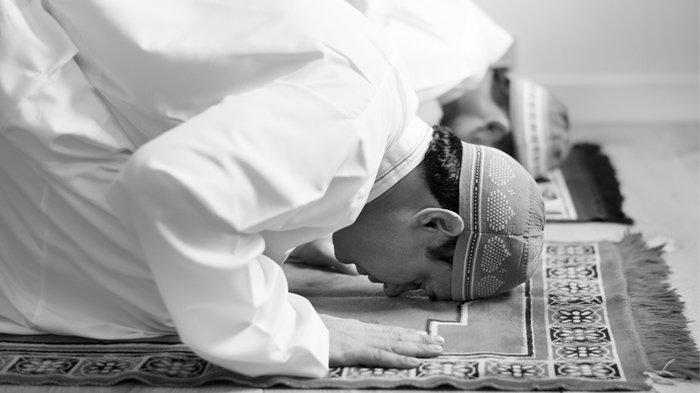 Apa Itu Sujud Sahwi? Berikut Tata Cara dan Doa yang Dibaca dalam Sujud Sahwi