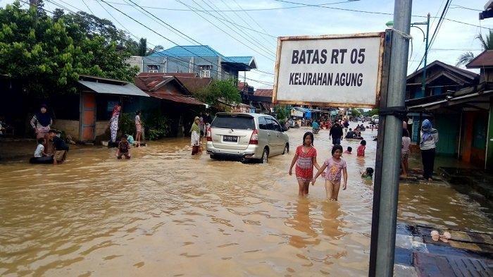 Banjir Kalimantan Selatan, Menko PMK Ingatkan Bahaya Eksploitasi Alam Berlebihan