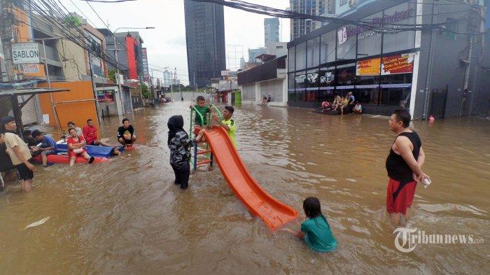 Tips agar Tetap Sehat dan Aman Selama dan Setelah Banjir, Penting untuk Diri Sendiri dan Keluarga!