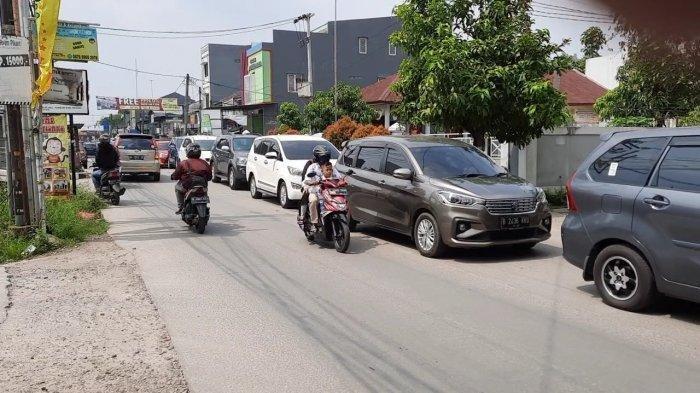 Hari Pertama Lebaran, Jalan Raya Jatimulya Bekasi Macet