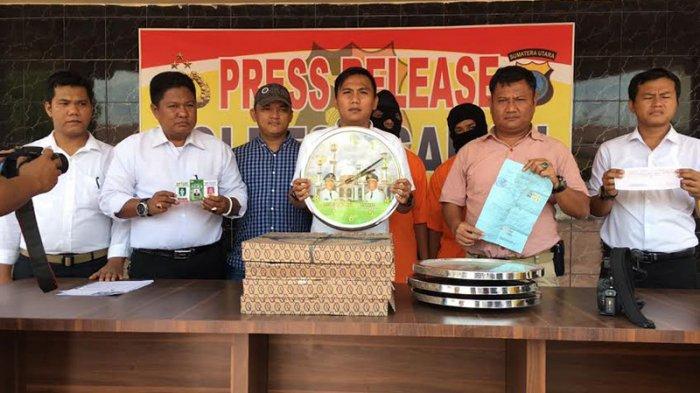 Dua Anggota LSM Gunakan Wajah Bupati untuk Memeras Kepala Sekolah