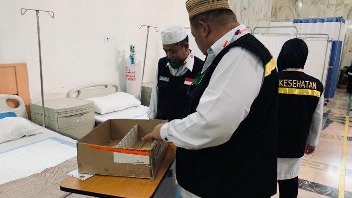 Persiapan tim kesehatan tampak sangat serius saat dikunjungi di Kantor Klinik Kesehatan Haji Indonesia (KKHI) di Makkah,