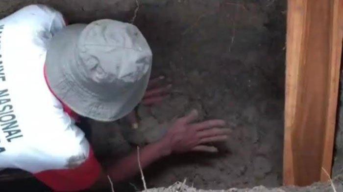 Jasad Terkubur 20 Tahun Ditemukan Masih Utuh Terbalut Kain Kafan, Awalnya Tak Sengaja Cangkul Makam