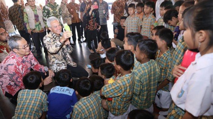 Ganjar dan Bupati Walikota se-Jateng Terapkan Kurikulum Antikorupsi SD sampai SMA